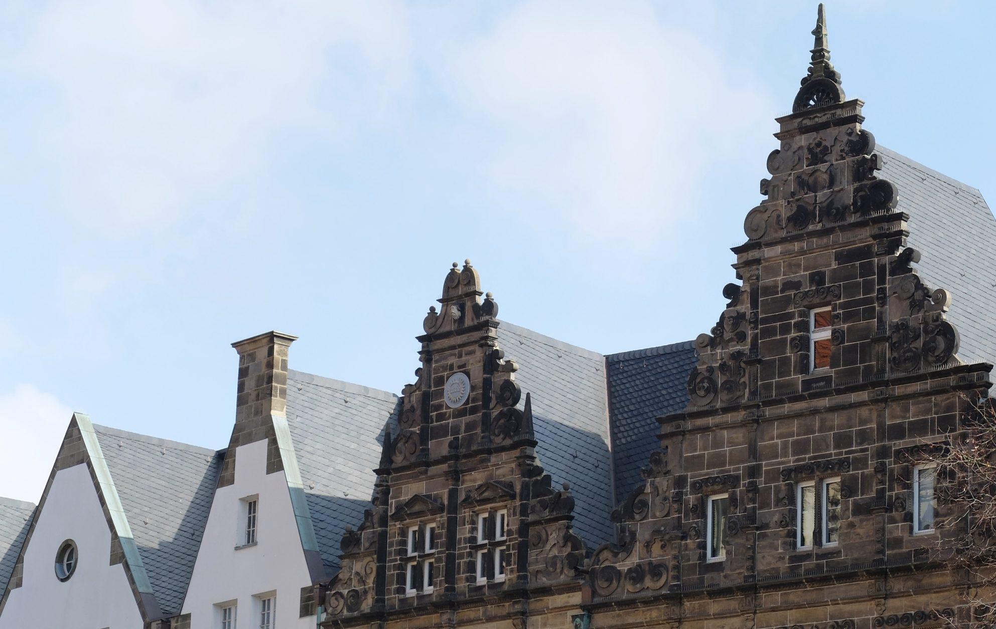 Fassaden- und Dachsanierungen